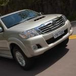 Toyota-Hilux-2013-4