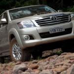 Toyota-Hilux-2013-8