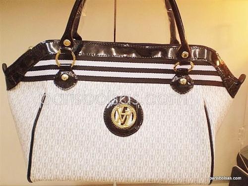 a092c953f Portanto as bolsas da grife Victor Hugo são lindas e podem ser usadas nas  mais variadas ocasiões, principalmente nas mais elegantes, pois, sem dúvida  elas ...
