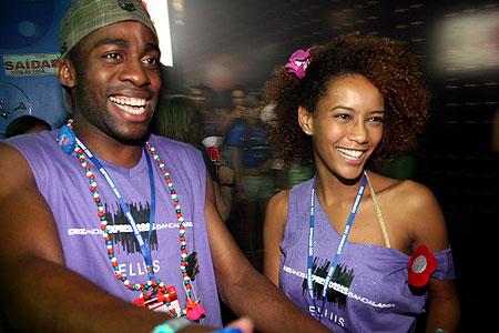 Como Customizar Abadás para o Carnaval 2013: Fotos e Passo a Passo
