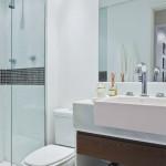decoracao-simples-de-banheiros-pequenos-9