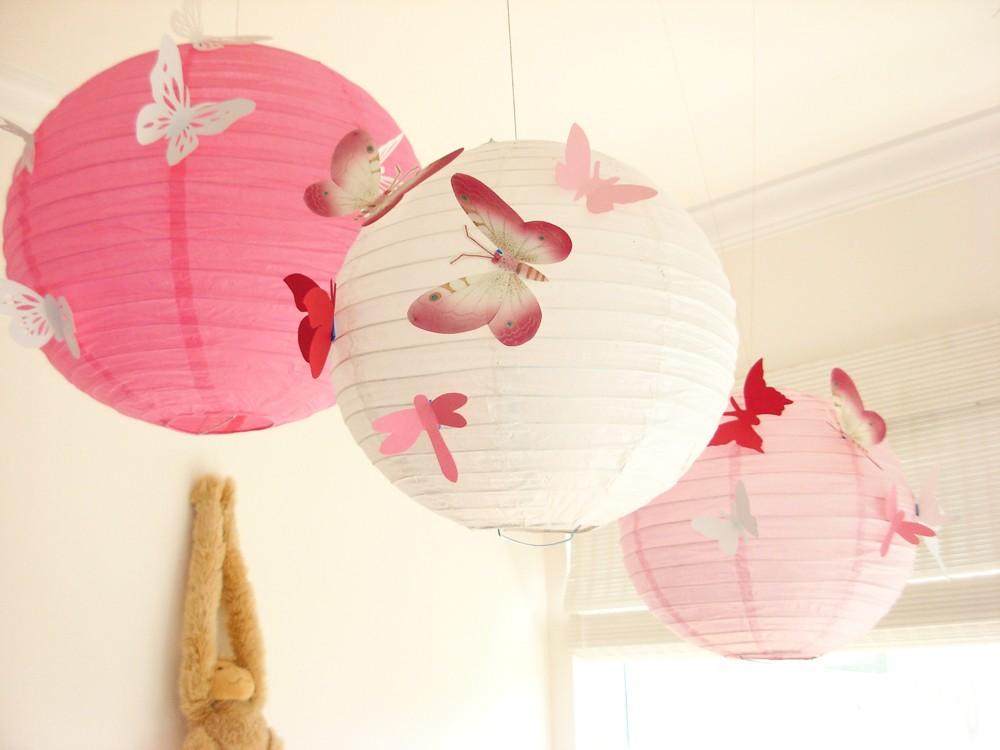 Arte de Viver Luminária japonesa no quarto do bebê