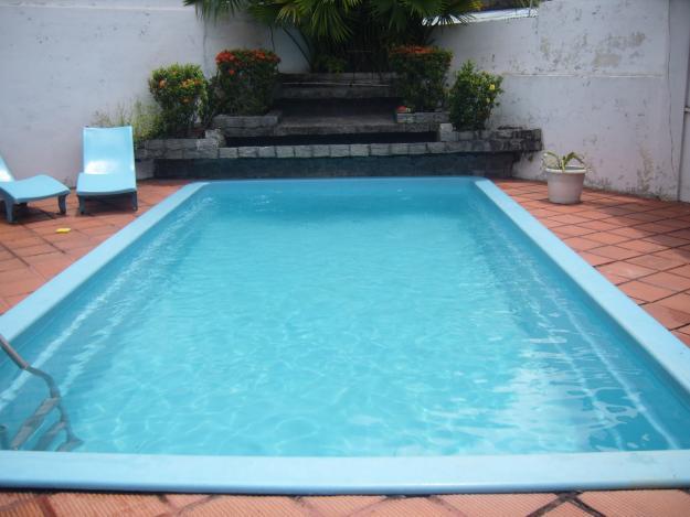 Piscinas residenciais fotos e modelos for Modelos en piscina