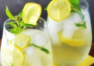 Receita de Bebida Refrescante para Alisar a Barriga em 4 Dias